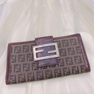Vintage authentic Fendi continental wallet